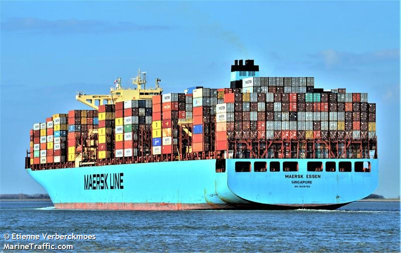 The Friday Five: Containers Overboard!
